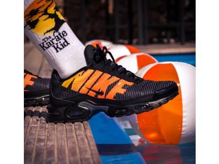 Nike Air Max PLUS TN SE 'Stripes' Negras Naranjas AT0040-002 Hombres